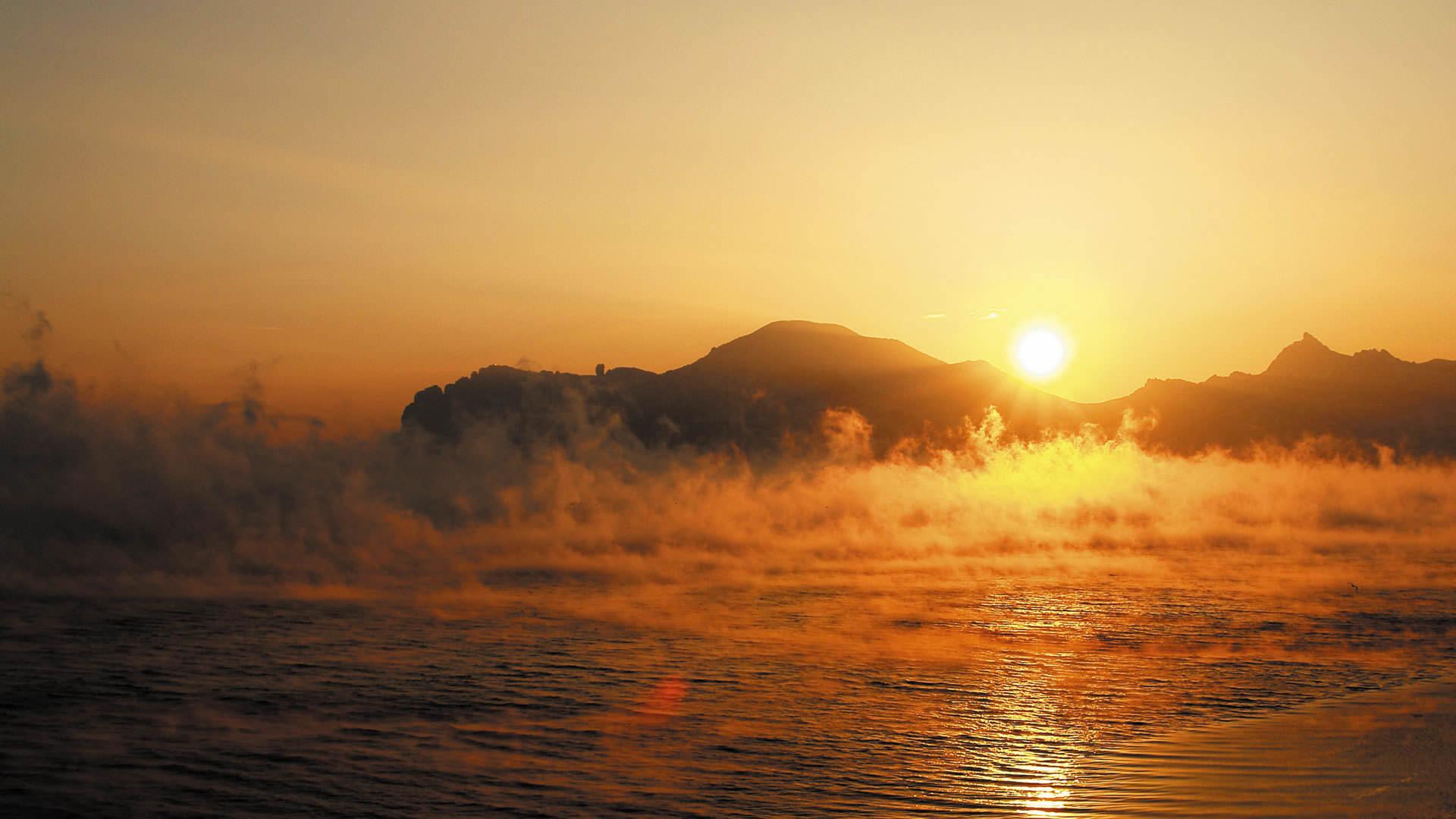 Magnificent Beach Sunrise Wallpaper