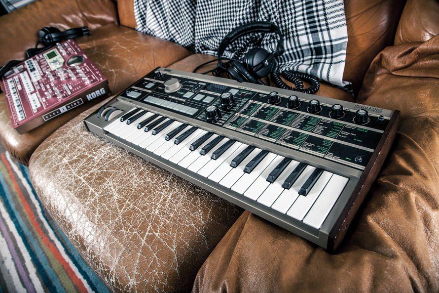 Musical Keyboard Instrument Wallpaper