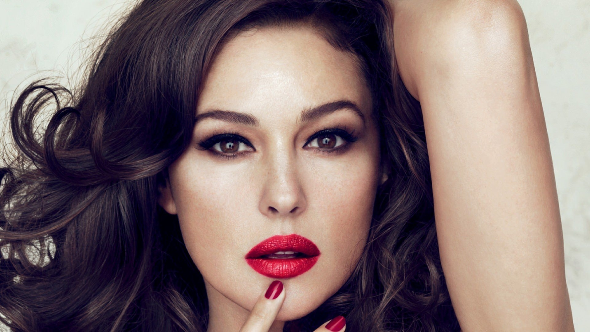Red Lips Girly Brunette Wallpaper