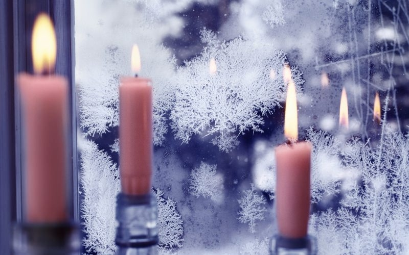 Snowflakes Christmas candles Wallpaper