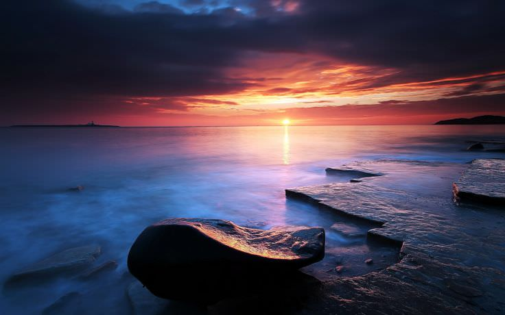 Sunrise Reflection on Beach Wallpaper
