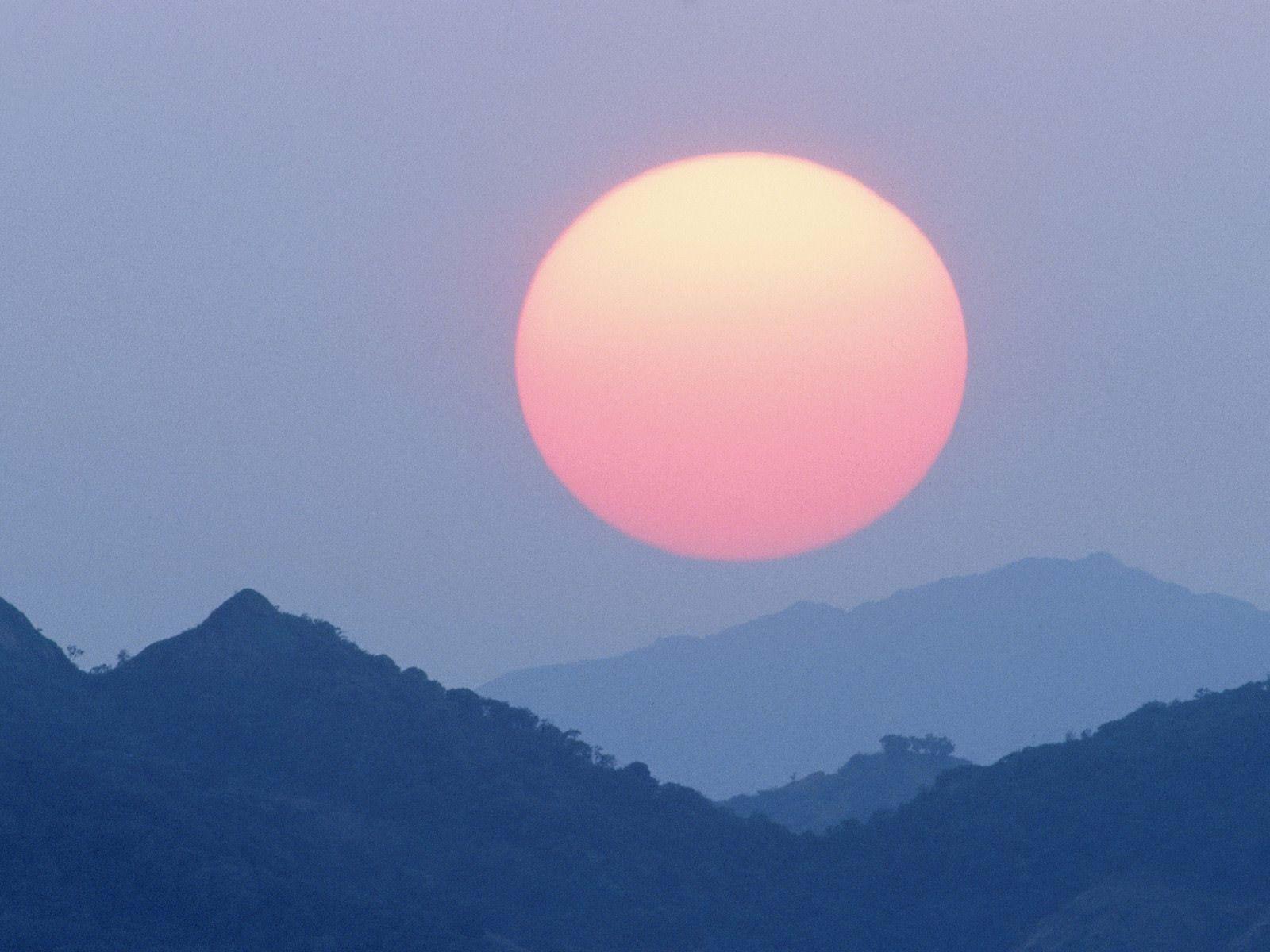 Sunrise Between Mountains Wallpaper