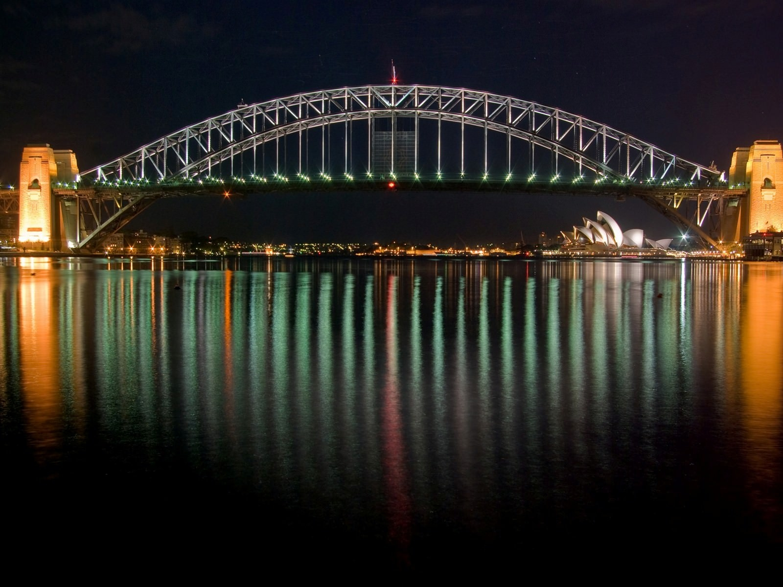 Sydney Harbour Bridge in Australia Wallpaper