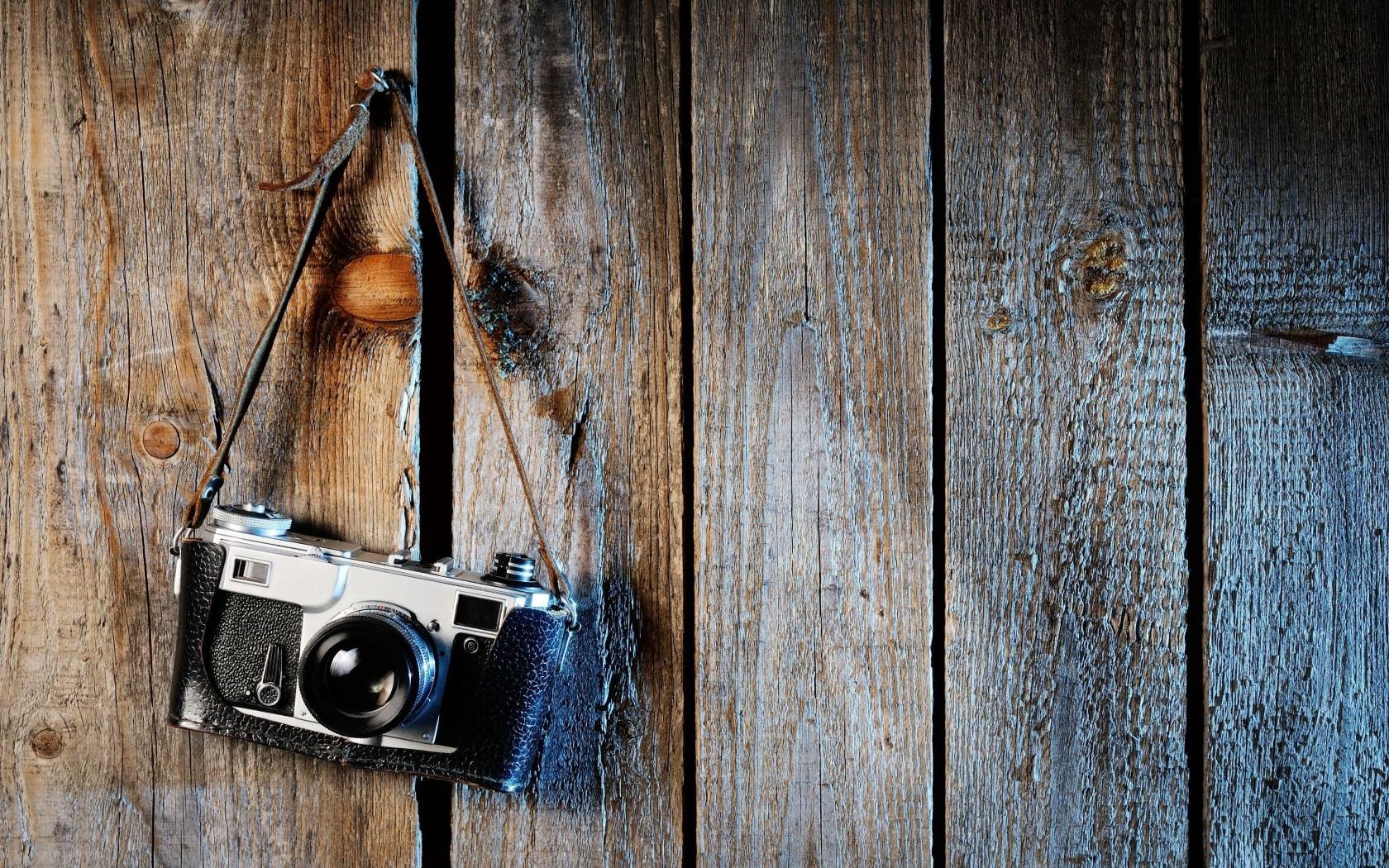 vintage mood camera hanging wallpaper