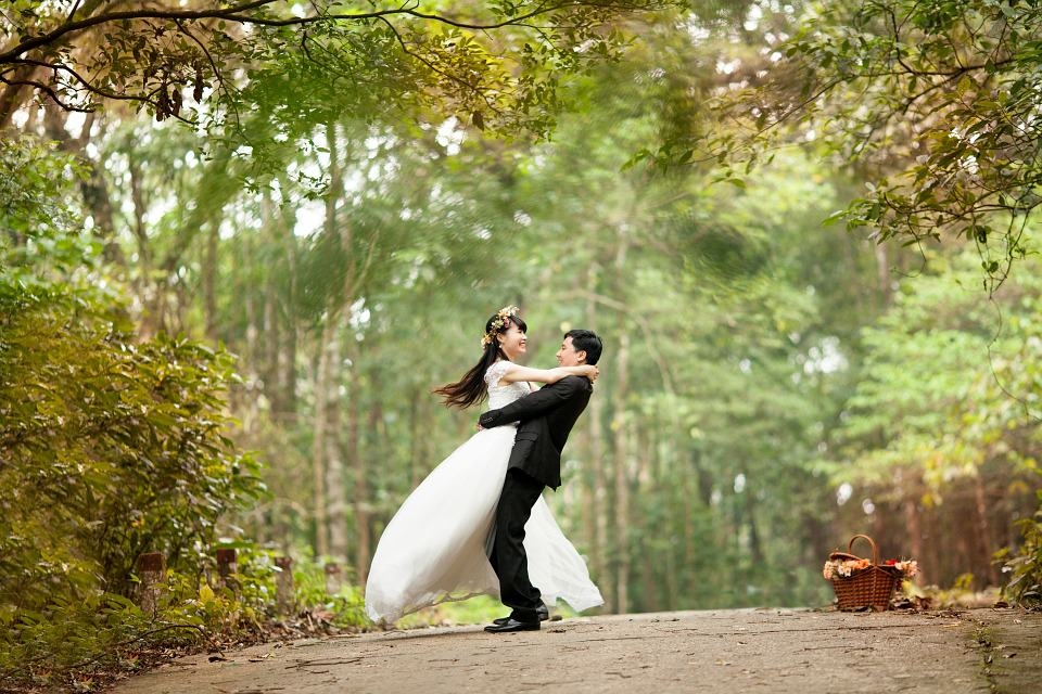 Wedding Couple Dance Background
