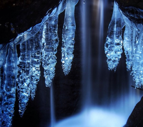 fabulous Blue Crystal Wallpaper