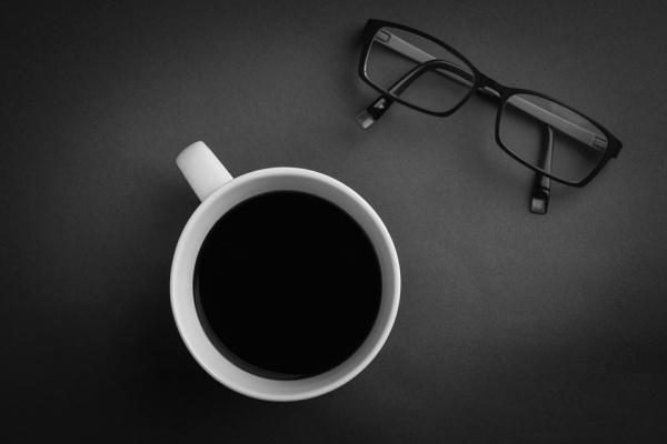 Start-up Sunglasses Desktop Mockup