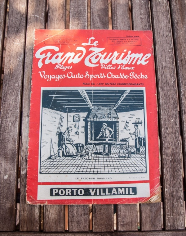 Retro Travel Tourism Magazine