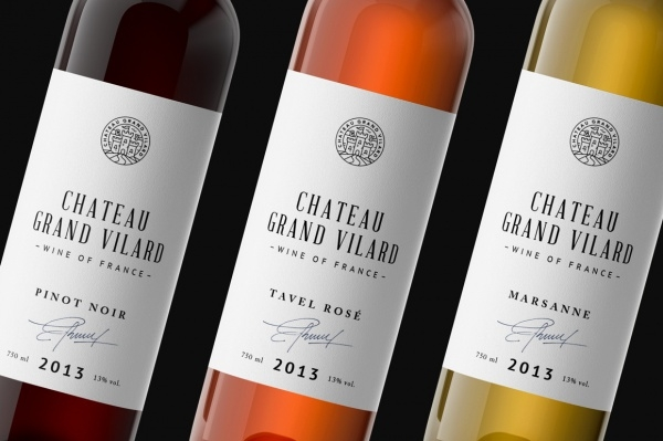 Photorealistic Wine Packaging PSD