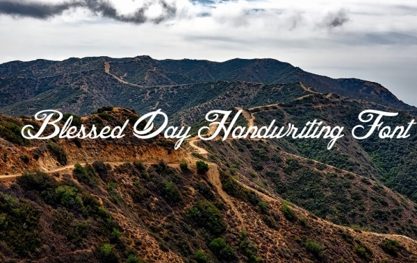 Free Blessed day Handwriting Font