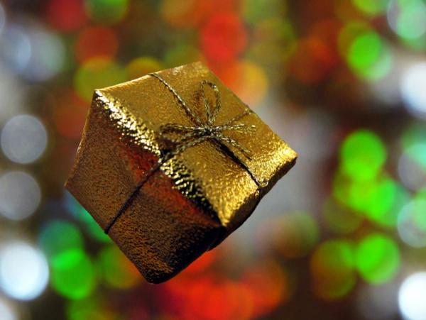 Free Christmas Gift Image