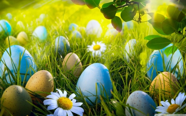 Free Easter Desktop Background