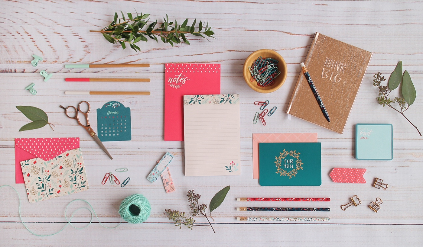 Free Holiday Stationery Template