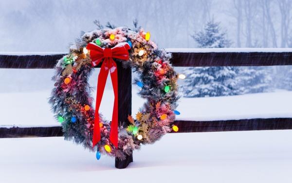 Newyear Holiday Wreath Wallpaper